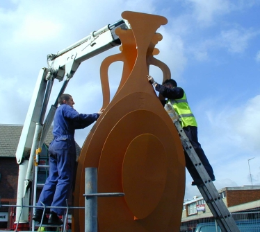 Installation of the finished sculpture at Dunstable Market Square